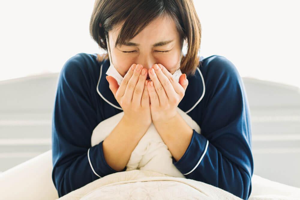 それは\u201c花粉症皮膚炎\u201dかもしれません。保湿を心がけ、お肌の